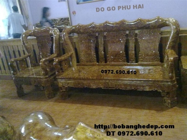 Bàn ghế gỗ nu nghiến đẹp vai 12cm quốc triện B124