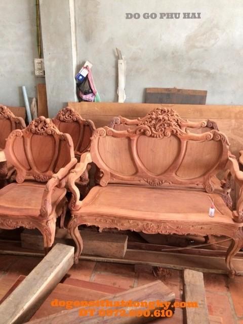 Bộ bàn ghế đẹp Kiểu Louis Pháp dạng cổ điển B.87