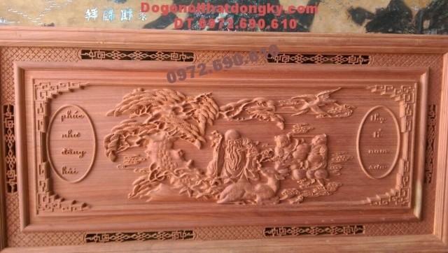 Quà tặng cha mẹ Tranh khắc gỗ Phúc như đông hải T31