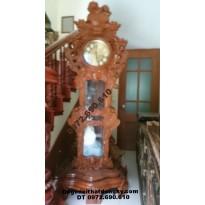 Đồng hồ đẹp dạng đứng chạm sư tử gỗ hương DH.47